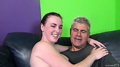 Mattie gets down on her knees and has him spraying a big load on her pretty face