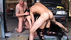 Slutty MILF gets a good discount by banging her hung mechanics