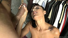 Scrumptious Lady With Amazing Naturals Pleases Dirty Gentleman