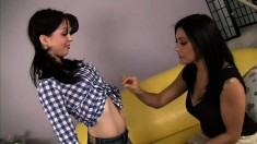 Experienced lesbian Raylene shows fresh young Jessi how it's done