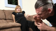 Blonde Hottie Gets Her Toes Painted And Sucked By Her Foot-loving Boyfriend