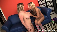 Buxom blonde cougar Maggie Green and beautiful blonde teen Ashley enjoy lesbian fun