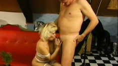 Lustful mature blonde Jamie delivers a nice blowjob and enjoys a rough pounding