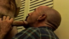Roby Jones and his gay partner provide to each other great blowjobs