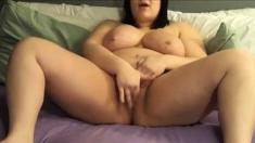BBW shoves a dildo in herself on cam 2