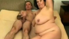 Fat mature chick going for hardcore anal