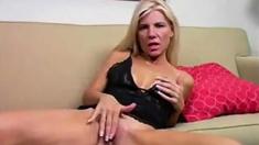 Mommy Likes To Masturbate
